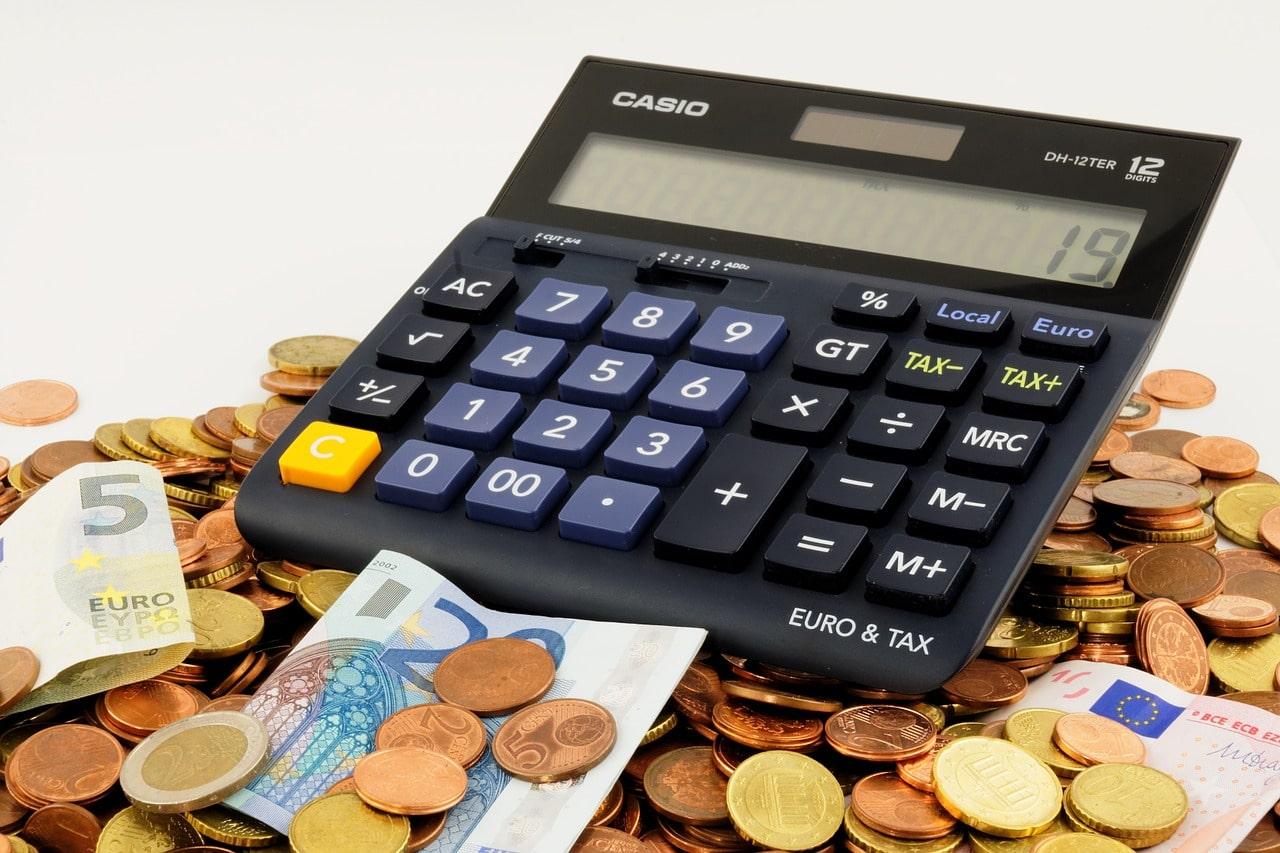 ¿Qué es mejor invertir o ahorrar